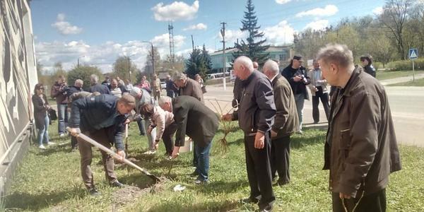 Ліквідатори Овруччини відвідали Чорнобиль і Прип'ять не з пустими руками. ФОТОРЕПОРТАЖ