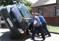 У Житомирі від зіткнення з вантажівкою перекинувся мікроавтобус (фото)