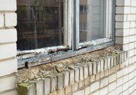 Житомирські школи замінюють трухляві деревяні вікна на металопластикові