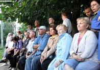 Мешканці житомирської багатоповерхівки вперше побачили, як виглядає їх дільничний міліціонер (відео)