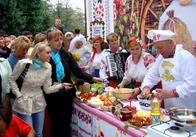 Деруни всієї України, єднайтеся! У Коростені пройшов IV Міжнародний фестиваль дерунів