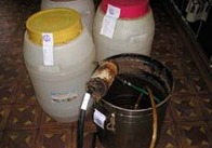 Производителей и любителей незаконно произведенного спиртного в Житомирской области наказывают рублем