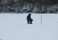 Житомирські рятувальники розповідали рибалкам про минулорічну сумну статистику загибелі на воді
