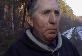 На Житомирщині пенсіонери торгуючи на базарі, не зогледілися як позбулися і власної машини
