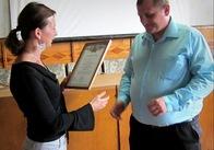 На Житомирщині Комітет виборців України нагородив відзнакою лікаря, який протистоїть владі