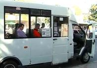 У Житомирі водії маршруток самі вирішують зупинятися їм чи ні: відео