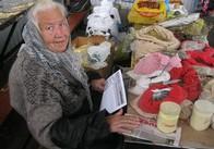 В центрі Житомира місцеві активісти розповсюджували листівки проти Рижука: фото