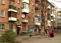 У Житомирі мешканці будинку повстали проти сусіда, який затіяв будівництво мансарди. ВІДЕО